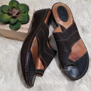 Born brown leather sandals size 9